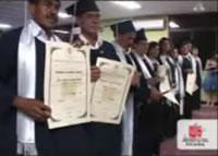 Clic para ver video Nuevos graduandos en Corozal